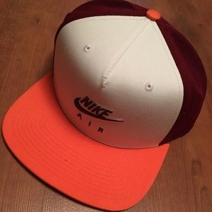 NIKE FLATBILL CAP